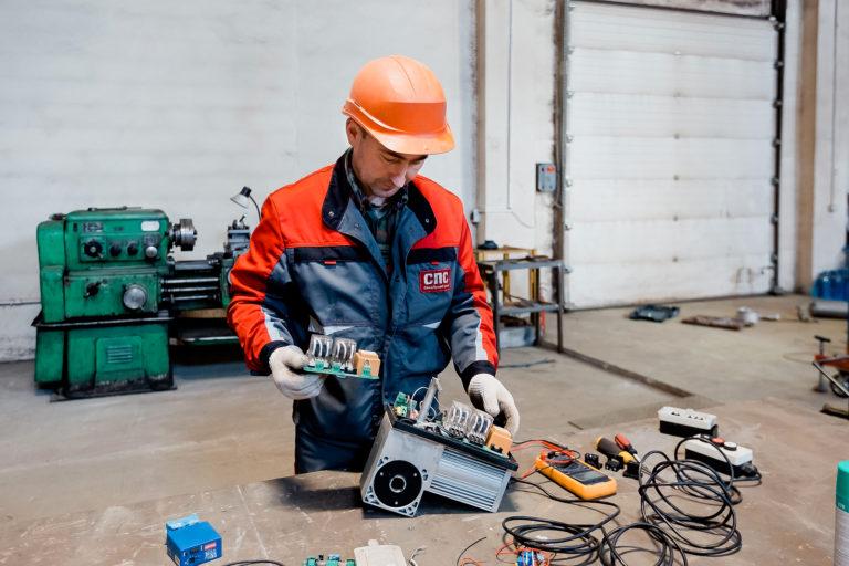 Сервисное обслуживание и ремонт секционных ворот