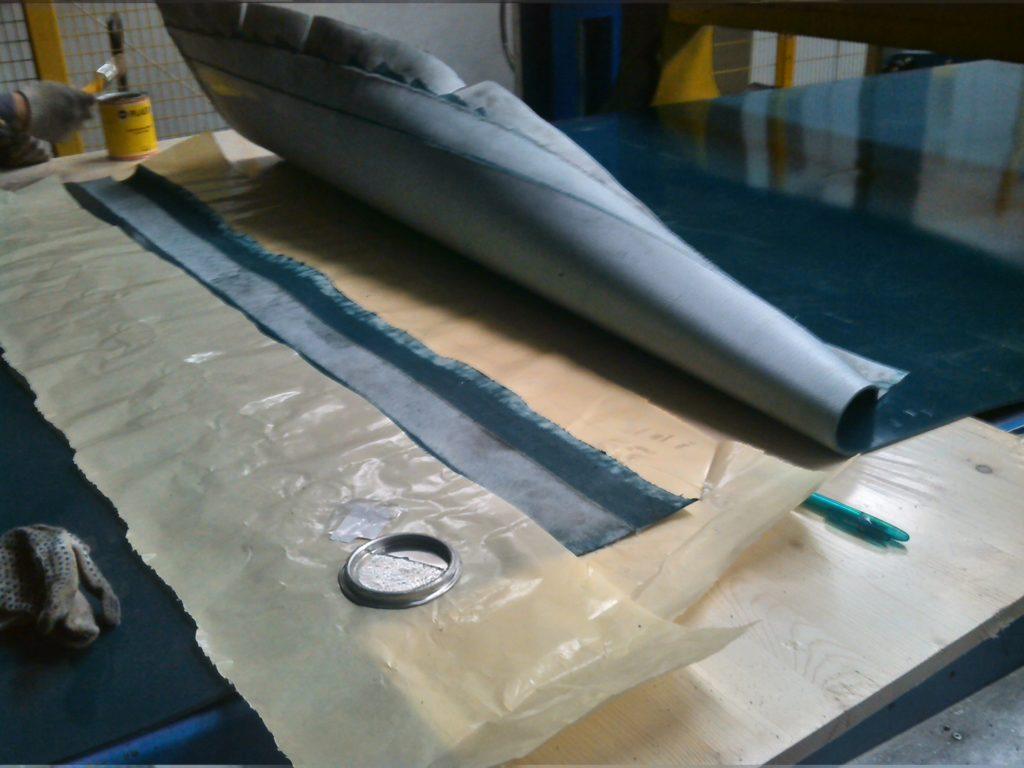 Стыковка ПВХ ленты на упаковочном оборудовании
