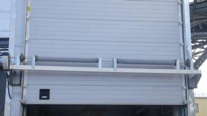 Секционные ворота с электроприводом