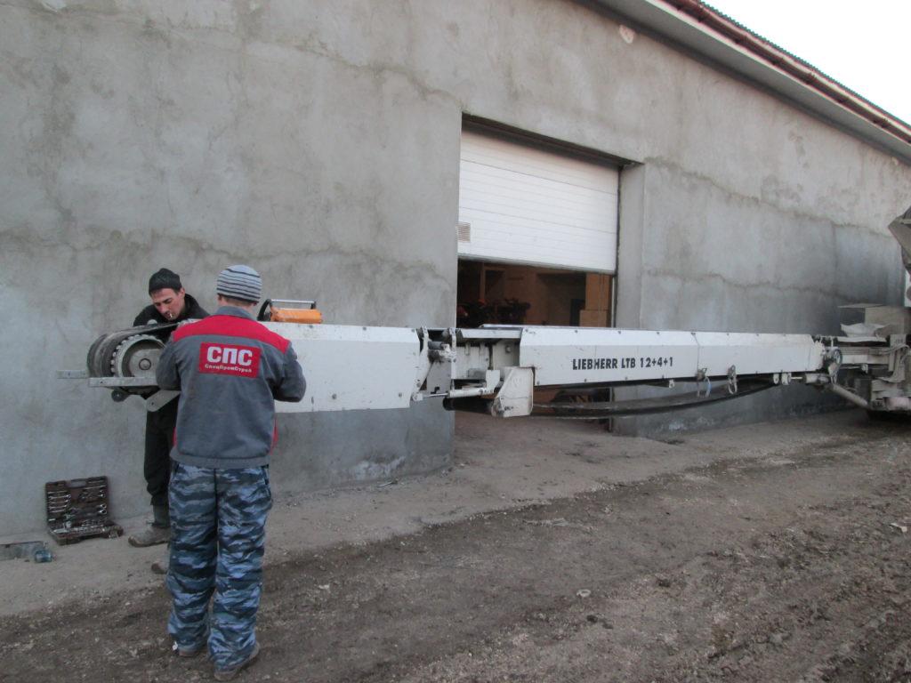 Замена конвейерной ленты на ленточном транспортёре Liebherr LTB