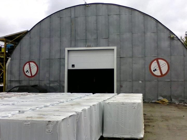 Монтаж промышленных секционных ворот