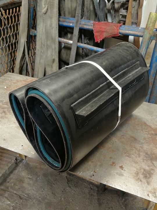Изготовление транспортёрной ленты в кольцо со скребками и направляющими профилями