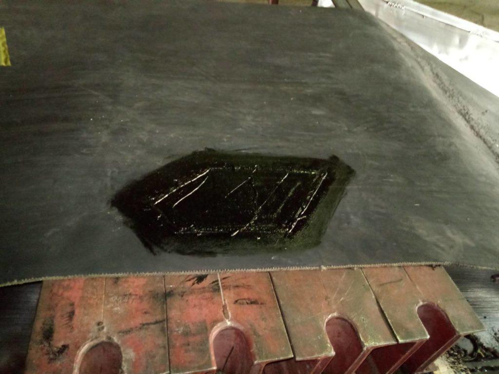 Ремонт пореза на конвейерной ленте методом горячей вулканизации