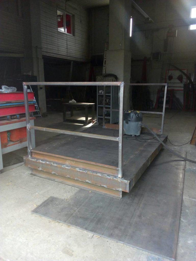 Изготовление площадки для автопогрузчика из металлоконструкций