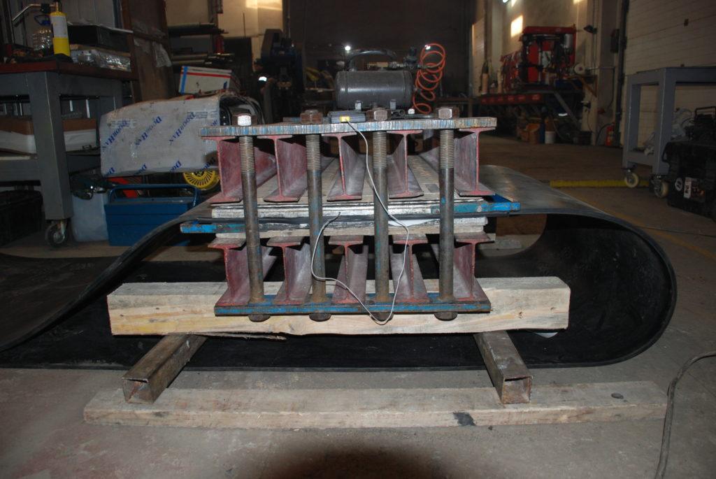 Изготовление методом горячей вулканизации бесконечной транспортёрной ленты для GRAVIT 1000