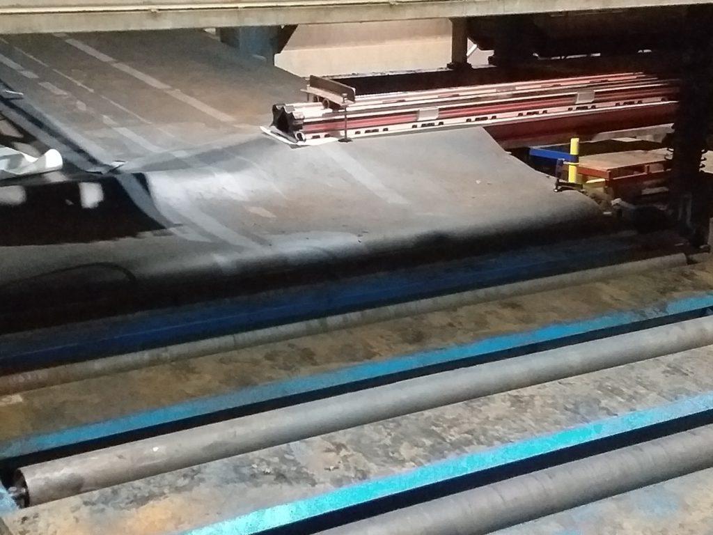 Стыковка конвейерной ленты ПВХ Habasit SNB-12E мметодом горячей вулканизации