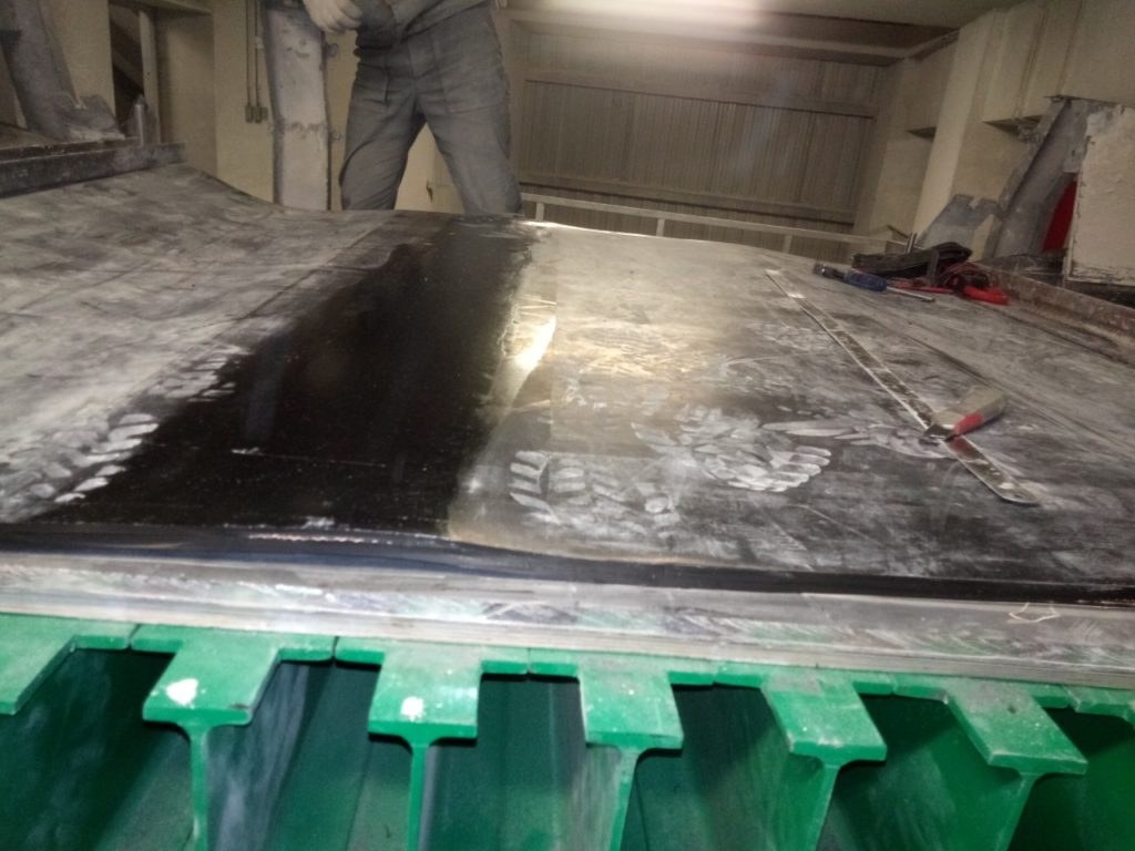 Стыковка широкой конвейерной ленты на оборудовании заказчика