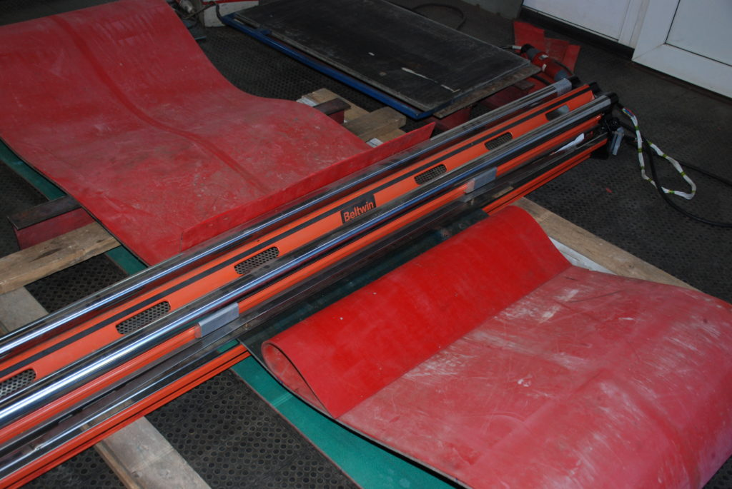Перестыковка конвейерной ленты методом горячей вулканизации