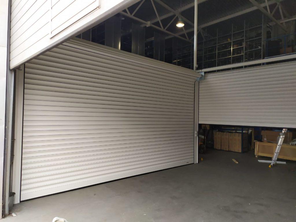 Установка промышленных рольворот DoorHan
