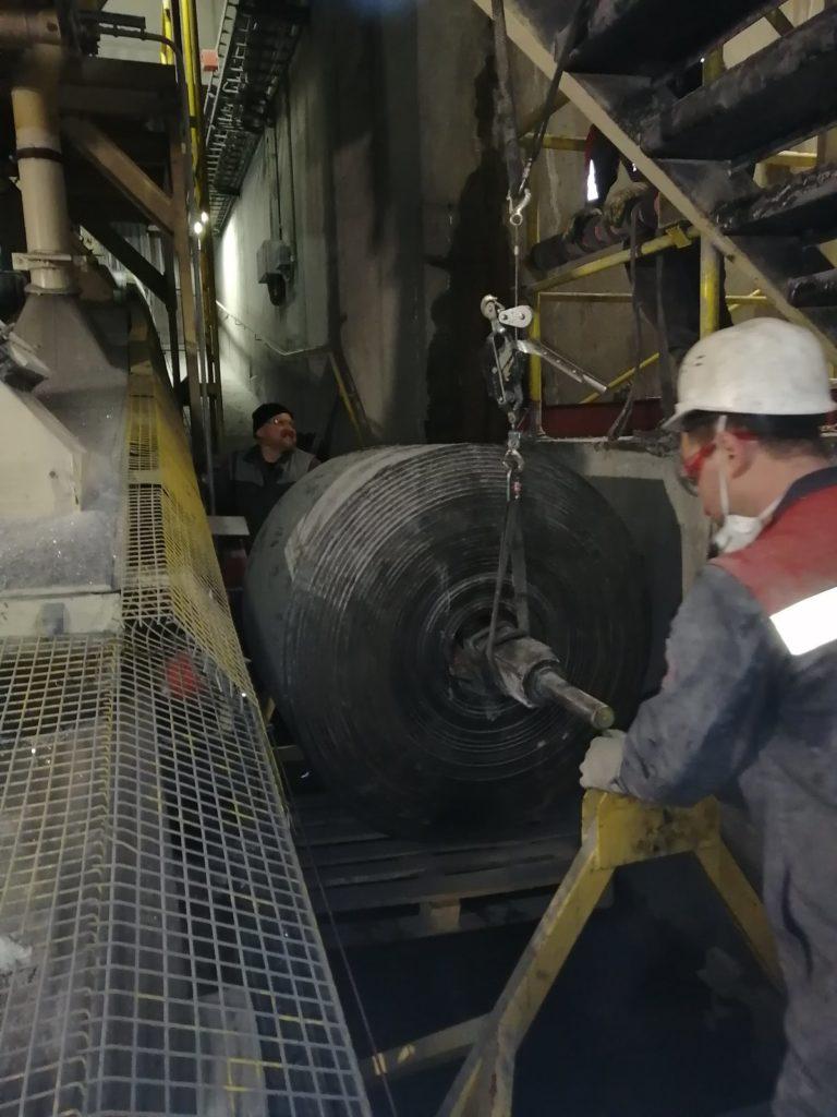 Шеф монтаж теплостойкой ленты со стыковкой методом горячей вулканизации