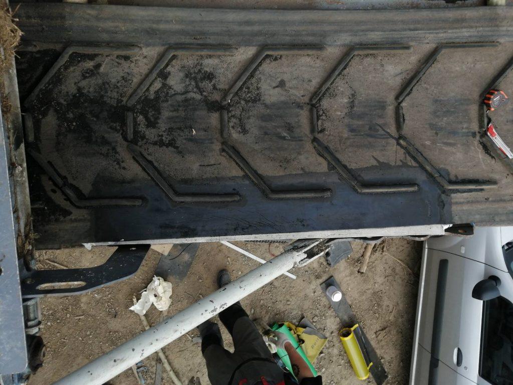 Ремонт шевронной конвейерной ленты на мобильной дробилке